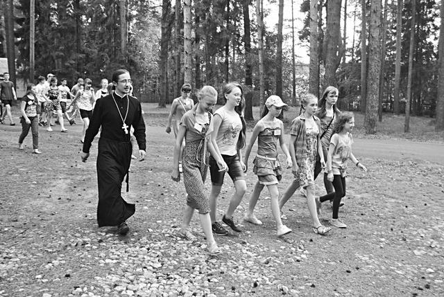 Настоятель Никольского храма о. Иоанн в православном лагере «Благовестник»