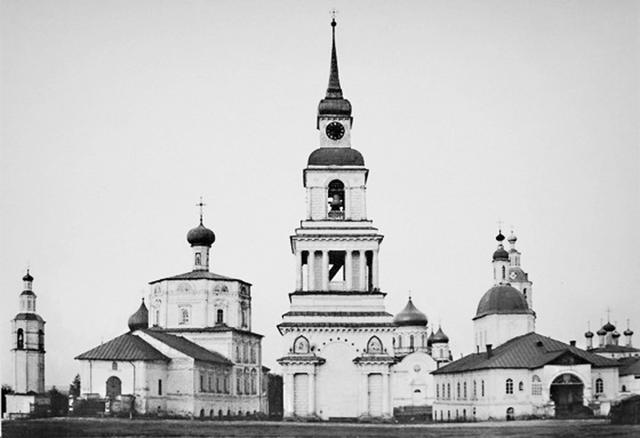Соборная площадь Слободского в начале ХХ века