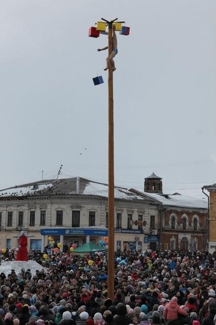 столб