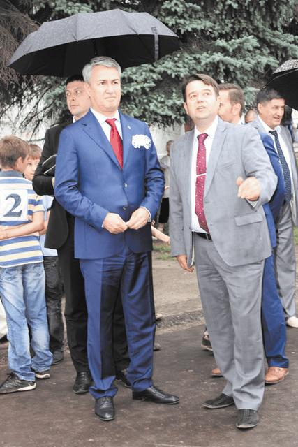 Р. Азимов и Е. Рычков