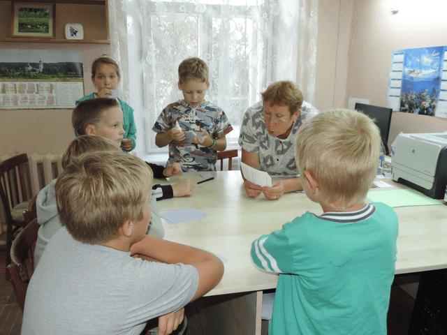 кино_за столом