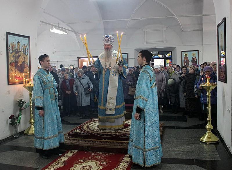 Торжественное богослужение в престольный праздник храма Благовещения Пресвятой Богородицы города Слободского