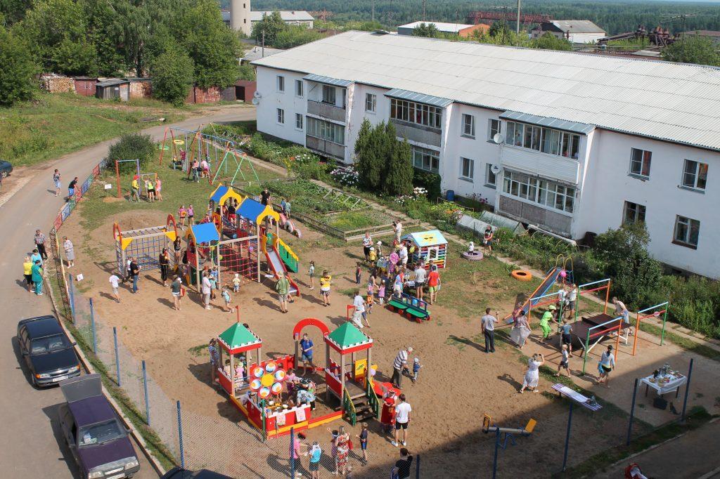Площадки - детям, проблемы - взрослым